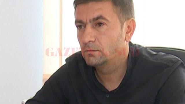 Costel Trăistaru, primarul localităţii Cernăteşti (Foto: Lucian Anghel)