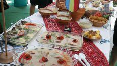 Festivalul răciturilor de la Tismana atrage sute de turişti (Foto: Eugen Măruţă)