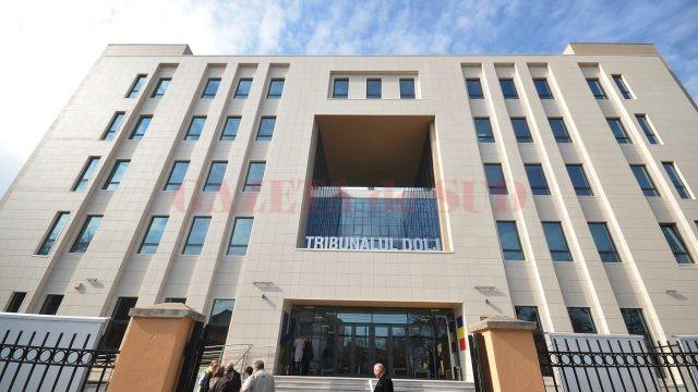 În semn de protest, magistrații de la Tribunalul Dolj judecă, începând de luni, numai cauzele urgente