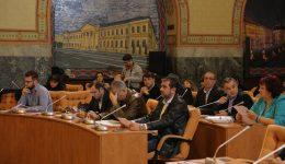 Consilierii locali au discutat ieri aprins despre proiectele nerealizate ale primăriei (Foto: Lucian Anghel)