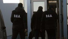 În cursul zilei de luni, ofițerii anticorupție i-au ridicat pe cei cinci inculpați din acest dosar de corupție