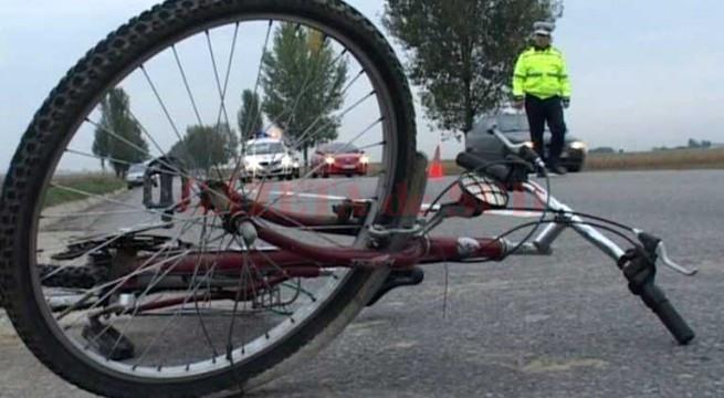 S-a suit băut pe bicicletă şi s-a autoaccidentat