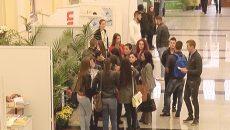 Studenții Universității din Craiova, la primul forum al carierei care se desfășoară pe 12 și 13 octombrie 2016 (Foto: captura video Alege TV)