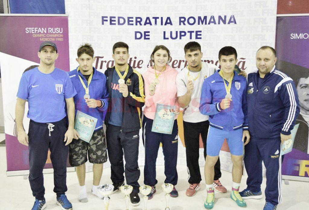 Luptătorii de la CS Universitatea au dominat competiția din Capitală, cucerind trei medalii de aur și două de argint