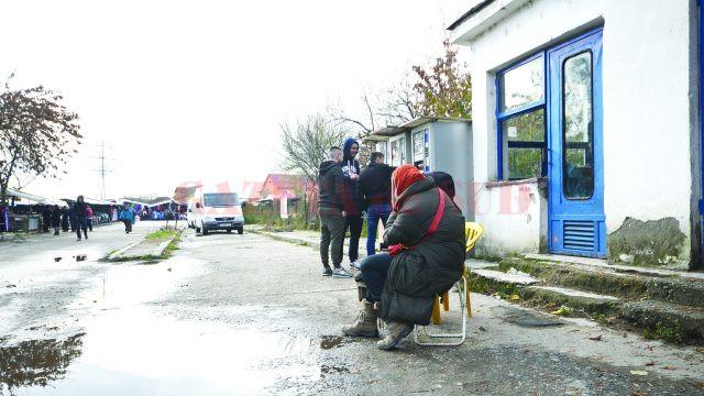 Aşa arată intrarea în Târgul Municipal Craiova (Foto: Bogdan Grosu)
