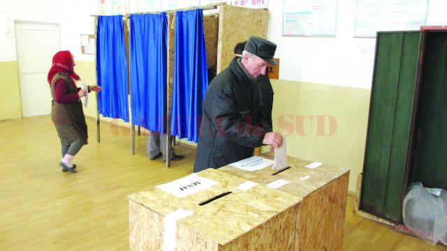 În urma alegerilor din 2012 în care votul a fost uninominal numărul de parlamentari a crescut de la 470 la 588. Anul acesta votul se dă pe liste de candidaţi. (Foto: arhiva GdS)