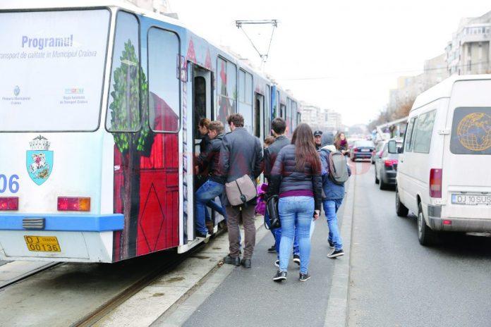 Tramvaiele destinate Craiovei au fost scoase din nou la licitaţie