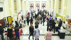 """Expoziția """"Fabricat în Oltenia"""" are loc la Universitatea din Craiova (Foto: Bogdan Grosu)"""