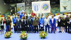 Spadasinii români au dominat competiţia de la Craiova, acaparând podiumul ()