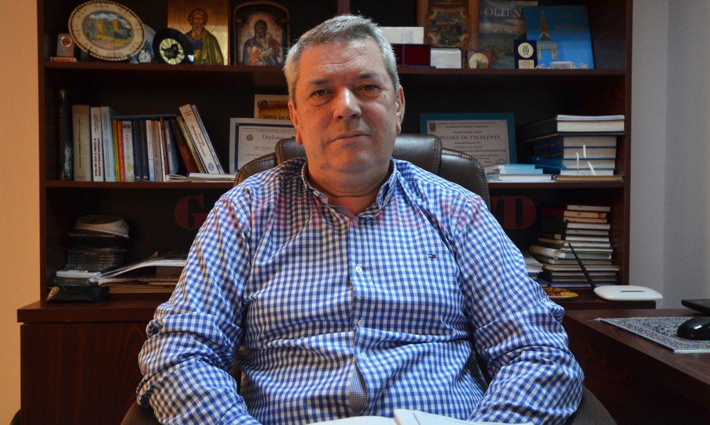 Andrei Butaru, directorul DSVSA Dolj, spune că e bine să evităm să cumpărăm chilipiruri (Foto: Bogdan Grosu)