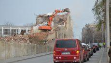 Proprietarul Morii Gorjului a fost sancţionat pentru modul în care a fost demolată construcţia (Foto: Bogdan Grosu)