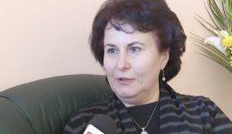 """Genelia Petrescu, profesor de biologie la Colegiul Național """"Frații Buzești"""", premiată de Ministerul Educației pentru performanțele obținute cu elevii pe plan internațional"""