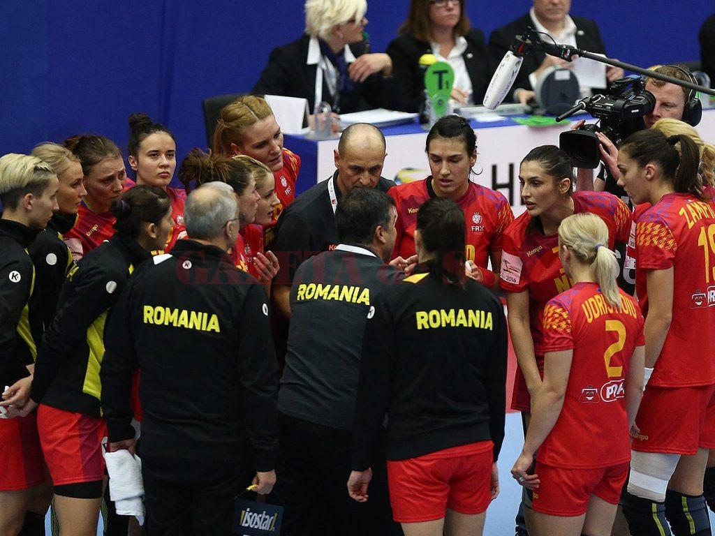 Handbalistele tricolore şi-au revenit după ratarea calificării în semifinale şi azi încearcă să învingă Germania, în meciul pentru locul cinci (Foto: ehf.ro)