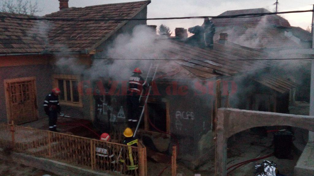Un bărbat de 60 de ani a murit în urma incendiului care a cuprins o casă de pe strada Stânjenilor din Craiova