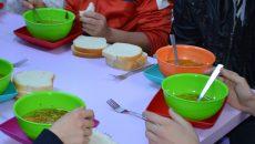 """Programul """"Masă caldă pentru elevi"""" va fi implementat în acest an școlar și la Liceul """"Adrian Păunescu"""" din Bârca"""