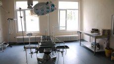 Mesele chirurgicale din sălile de operație ale Spitalului din Băilești sunt din 1970. Managerul spune că se fac demersuri pentru a fi înlocuite. (Foto: Arhiva GdS)
