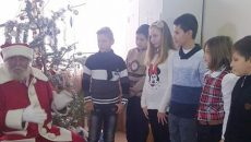 Moş Crăciun a venit la copiii bolnavi
