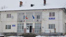 Procurorii craioveni au reținut că Primăria Pleșoi a fost prejudiciată cu peste 130.000 de lei (Foto: arhiva GdS)