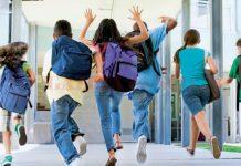 Elevii din toate ciclurile intră în vacanţa de vară