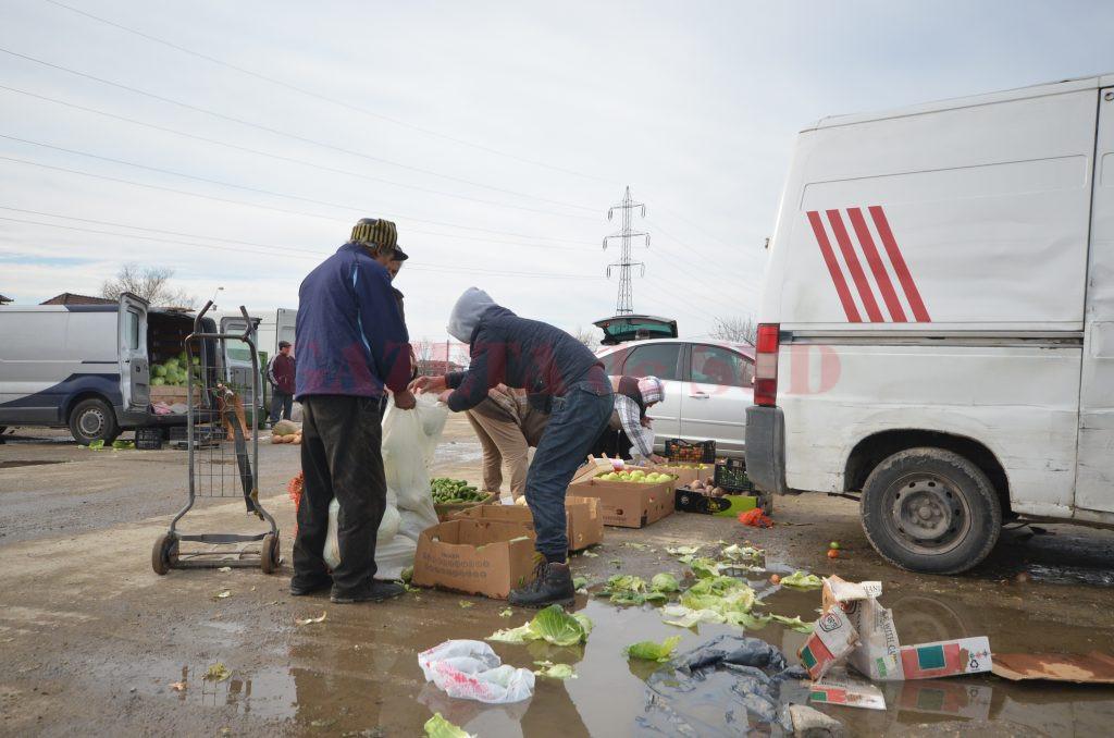 În Târgul Municipal Craiova, comercianții de legume și fructe sunt taxați mai scump decât cei de haine second-hand