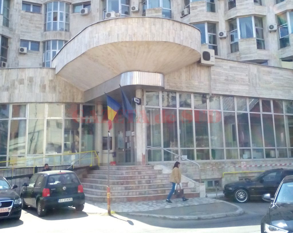 Procurorii DIICOT caută acum vinovaţii  la Finanţele Publice Gorj