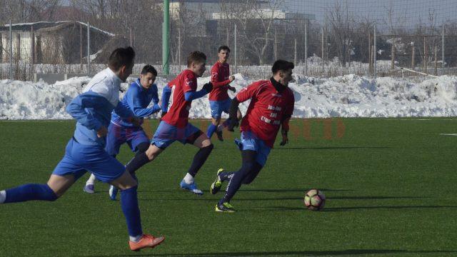 Experiența lui Fotescu (la minge) și a colegilor săi și-au spus cuvântul