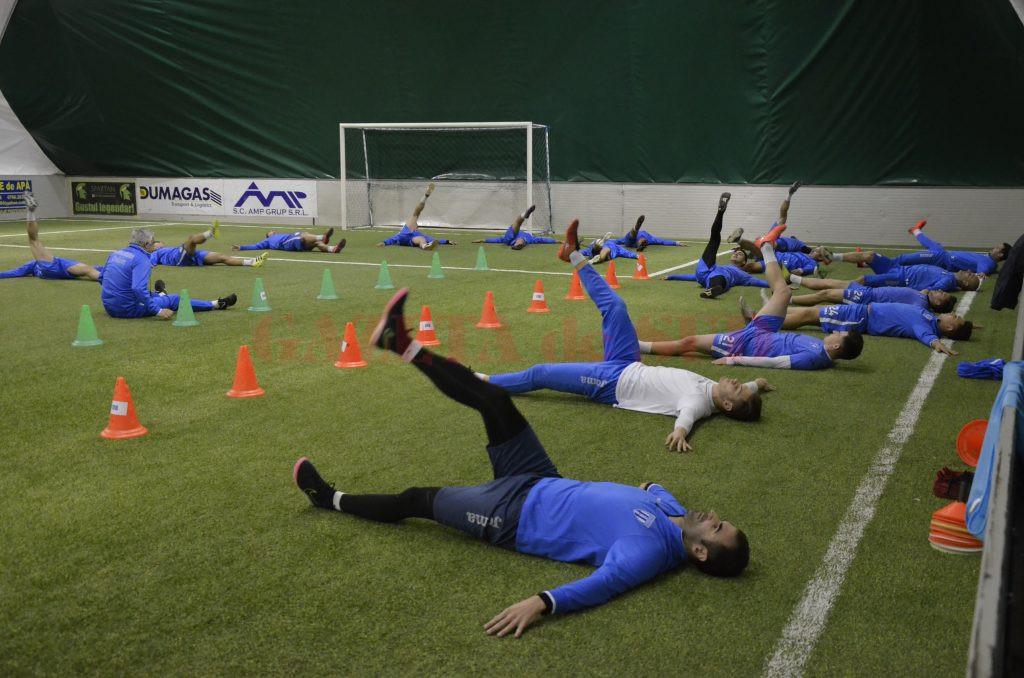 Fotbaliștii de la CS Universitatea Craiova și-au reluat antrenamentele (Foto: Alexandru Vîrtosu)