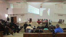 Cadre didactice prezente la ședința publică organizată ieri în amfitearul Inspectoratului Școlar Județean Dolj (Foto: Carmen Rusan)