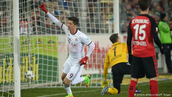 Lewandowski a fost salvatorul lui Bayern la Freiburg