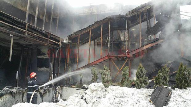 Ultimele-imagini-inainte-de-incendiul-din-Bamboo