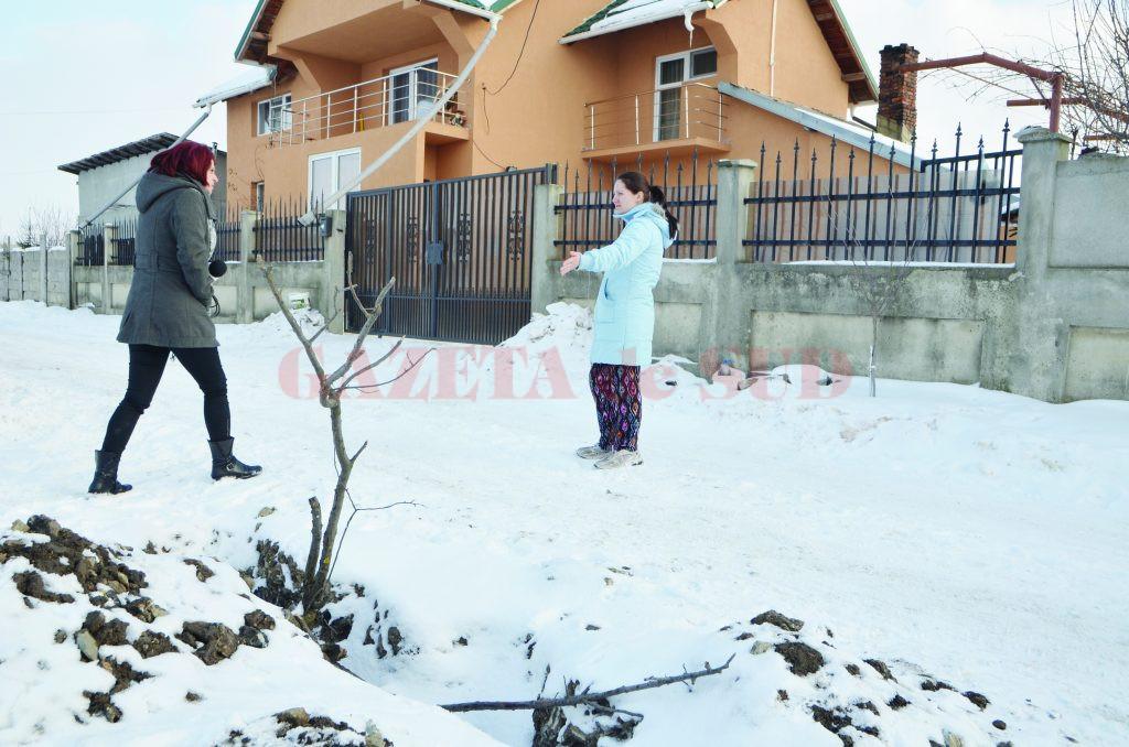 Unii dintre locuitorii de pe strada Grădinari stau de peste șapte zile fără apă (Foto: GdS)