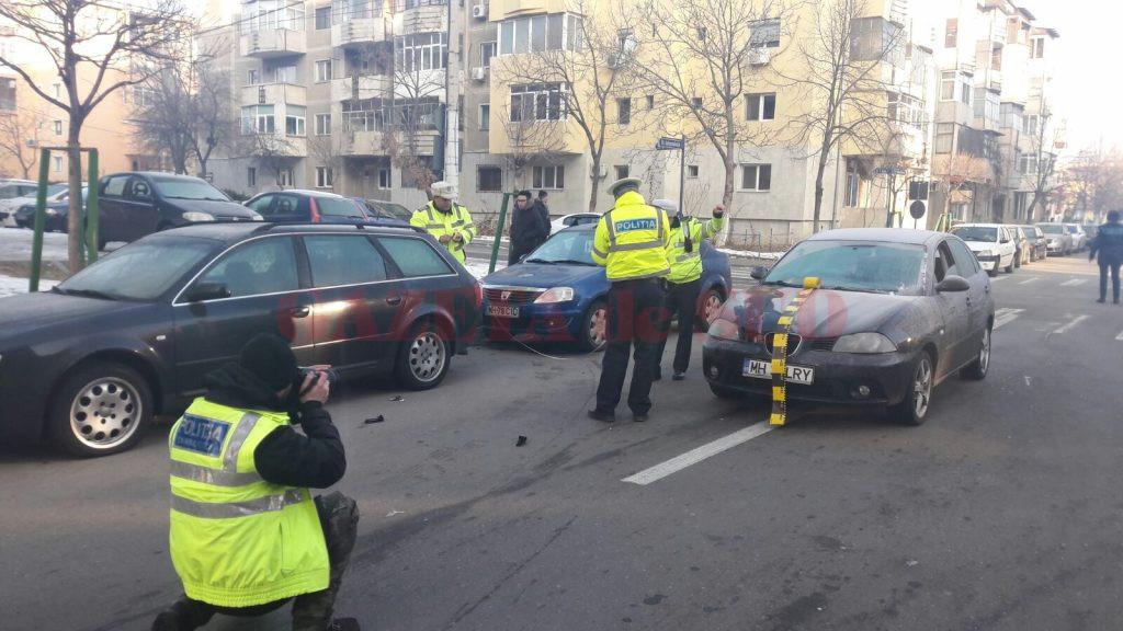 Conducătorul autoturismului nu a avut vizibilitate  pentru că nu şi-a curăţat parbrizul (Foto: Mihai Căruntu)