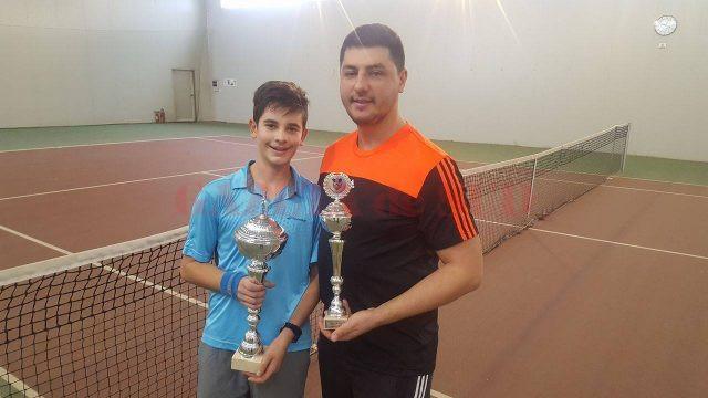 Alex Coman, alături de antrenorul său, Alex Banciu (foto: Lucian Anghel)