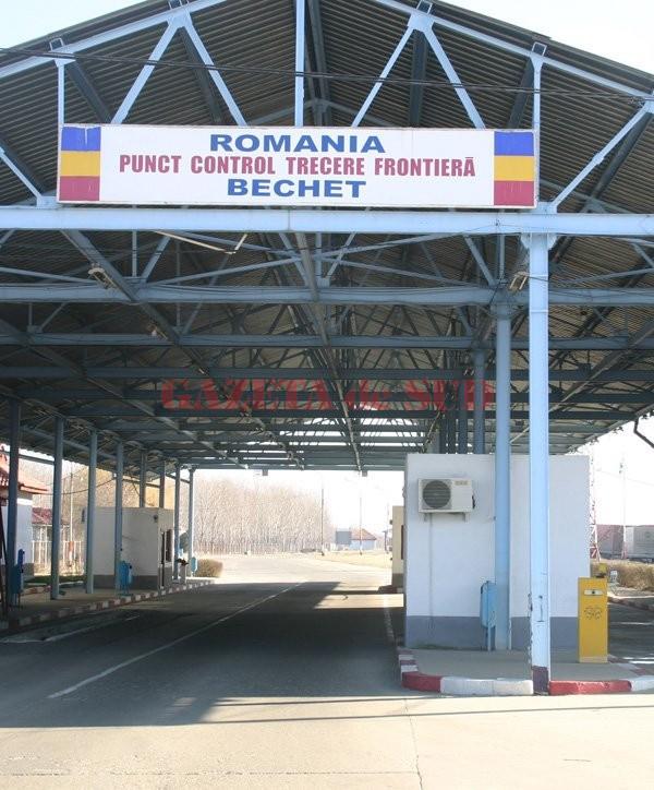 Anchetatorii au stabilit că albanezul a încercat să mituiască un polițist de frontieră de la Bechet pentru a intra în România