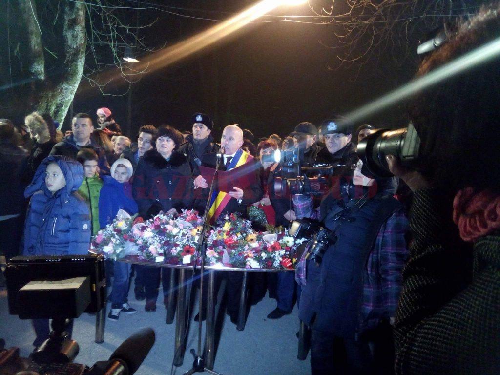 Căsătoriile au avut loc la miezul nopţii, imediat după focul de artificii  (Foto: Eugen Măruţă)