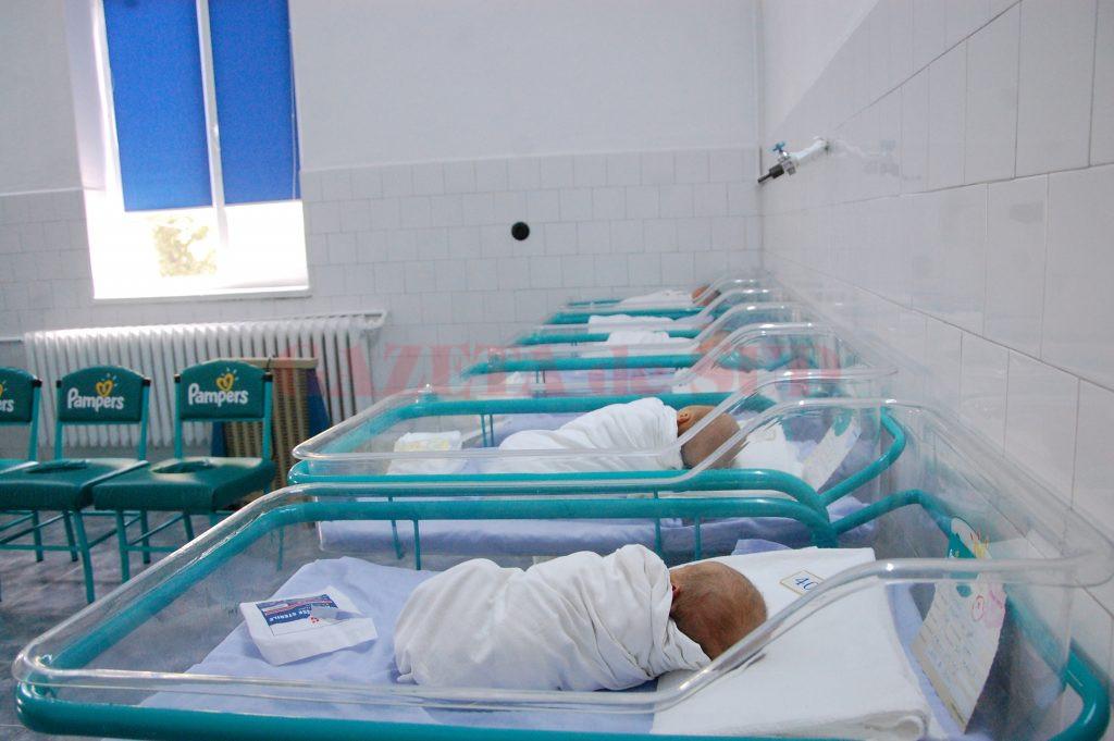 Vaccinul hexavalent și cel împotriva hepatitei B lipsesc din cabinetele medicilor de familie și maternități, zeci de copii așteptând să fie imunizați