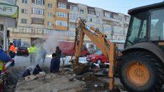 Muncitorii de la CEO lucrau la repararea conductei din Lăpuș-Argeș (Foto: Bogdan Grosu)