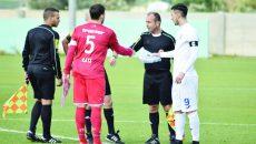 Ivan (în alb) rămâne la Craiova în ciuda ofertelor tentante (Foto: csuc.ro)