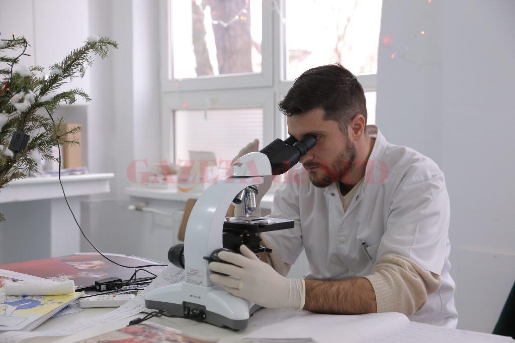 Laboratorul de analize medicale al Spitalului din Segarcea a fost dotat cu aparatură de ultima generație (Foto: Lucian Anghel)