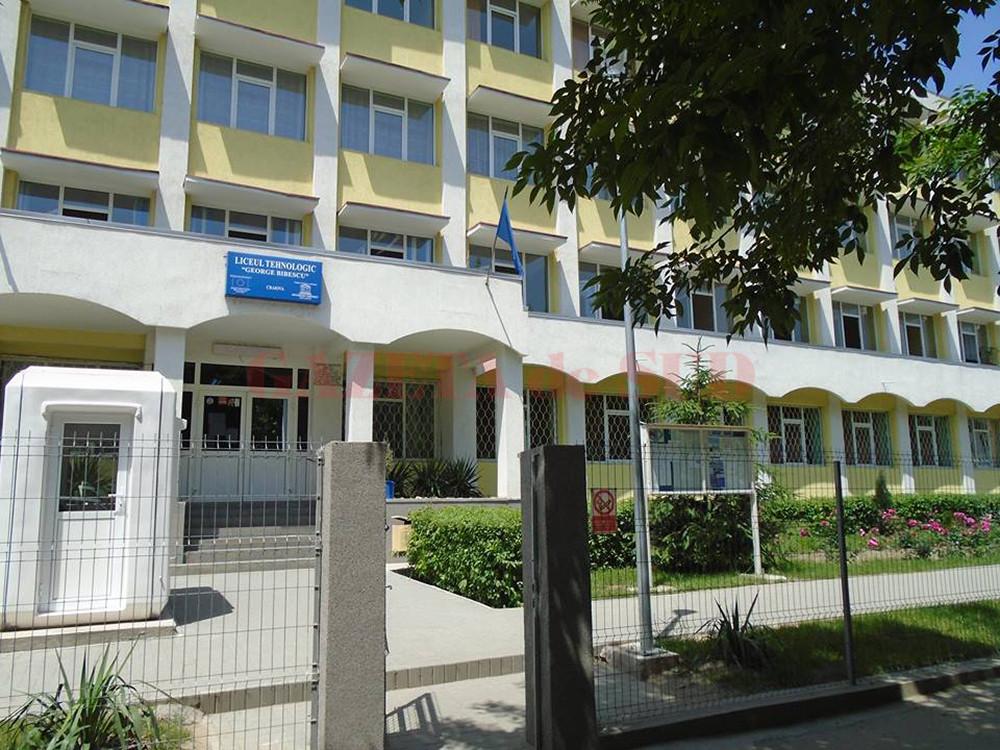 """Liceul Tehnologic """"George Bibescu"""" din Craiova continuă înscrierile pentru clasa a XI-a seral"""