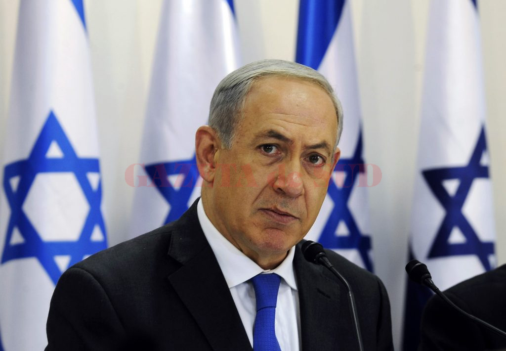 Israel's Prime Minister Benjamin Netanyahu heads a special cabinet meeting marking 40 years since the death of David Ben-Gurion, Israel's first prime minister, in Sde Boker in southern Israel November 10, 2013. Netanyahu voiced satisfaction on Sunday over the failure of Iran and world powers to clinch a nuclear deal and said he lobbied against it in calls with government leaders. REUTERS/David Buimovitch/Pool (ISRAEL - Tags: POLITICS)