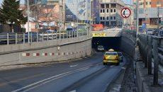 Un tir a lăsat, încă o dată, pasajul subteran fără lumină (Foto: Bogdan Grosu)