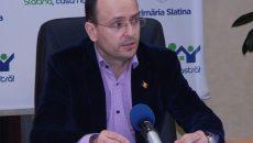 Prina a fost primar al municipiului Slatina din februarie 2013 și până în iunie 2015, când a demisionat din funcție (FOTO: Semnaluloltului.wordpress.com)