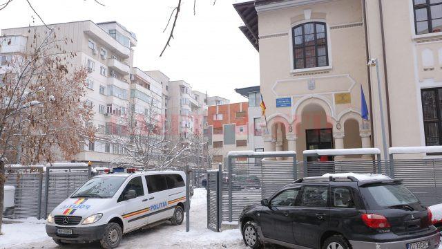 Ieri, mai mulți suspecți au fost aduși la audieri, la sediul DIICOT din municipiul Craiova