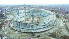 """Noul termen de finalizare a lucrărilor la Stadionul """"Ion Oblemenco"""" ar fi 9 martie 2017. Ținând cont de condițiile meteo actuale și de modul cum se prezintă acum stadionul (foto 5 ianuarie 2017), misiunea constructorilor pare imposibilă. (Foto: Marian Vulcănescu)"""