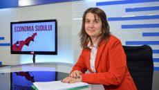 """Directorul executiv al Direcției Județene de Statistică Dolj, Carmen Ispas, a explicat datele privind consumul populației la emisiunea """"Economia Sudului"""", de la Alege TV (Foto: Bogdan Grosu)"""