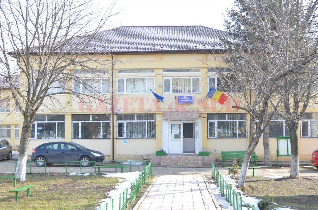 Şcoala din Segarcea unde merge Codruţ din noiembrie, anul trecut (Foto: Claudiu Tudor)