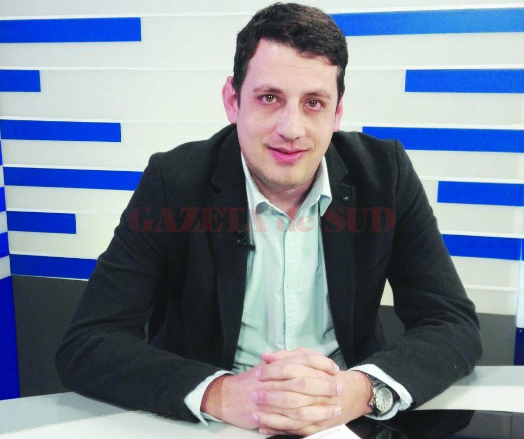 """Directorul Manpower Craiova, George Decebal Păunescu, a explicat la emisiunea """"Economia Sudului"""" care sunt cele mai căutate meserii pentru care mulți angajatori nu găsesc oameni (FOTO: Traian Mitrache)"""