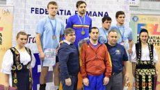 Ionuț Moise (al doilea de la stânga la dreapta, rândul de sus) a cucerit al treilea titlu de campion național (Foto: csuc.ro)
