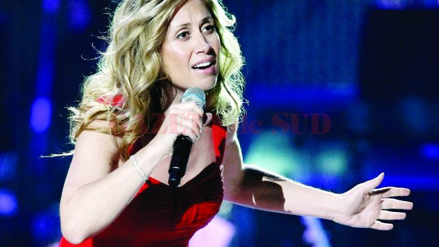 LAS VEGAS - OCTOBER 15:  Singer Lara Fabian performs during the David Foster and Friends concert at the Mandalay Bay Events Center October 15, 2010 in Las Vegas, Nevada.  (Photo by Ethan Miller/Getty Images) *** Local Caption *** Lara Fabian